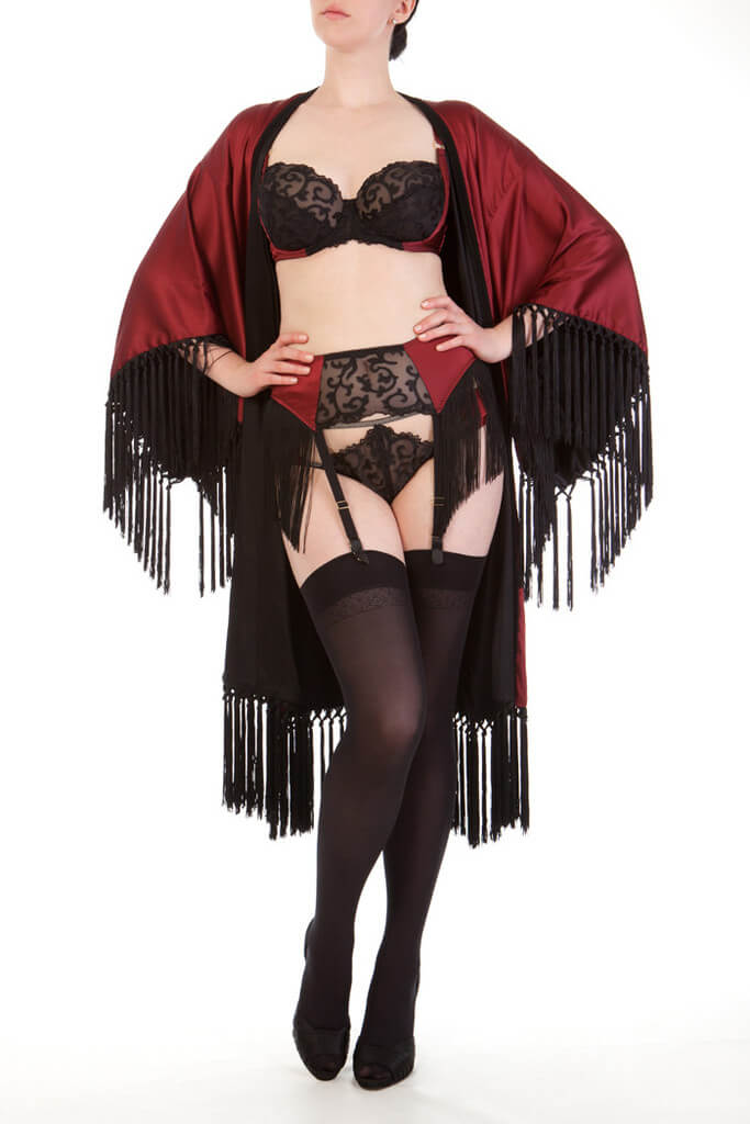 £541.67 $848 USD (international price), UK price £650.00 http://harlowandfox.co.uk/collections/all/products/augusta-scarlet-fringed-kimono