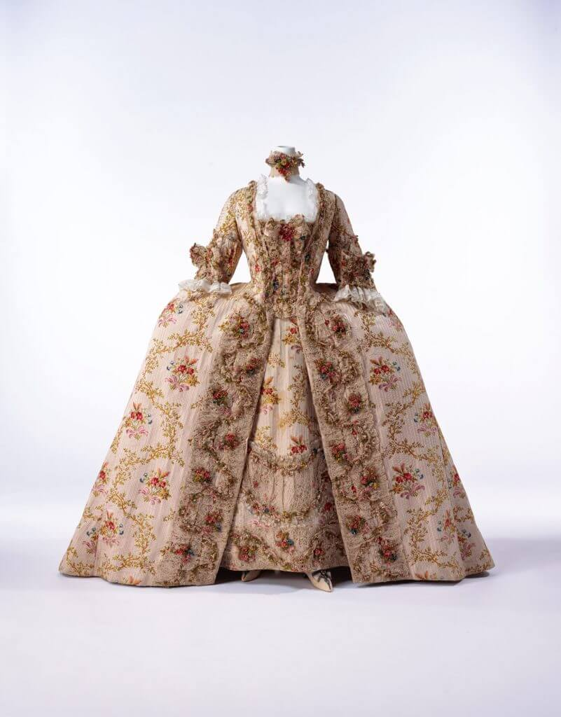 """1770s """"Robe à la Française"""" from the Kyoto Costume Institute. Note the repeating floral motif."""