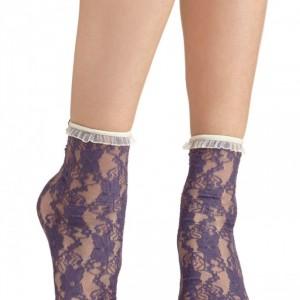 Review + DIY: Velvet Heart Lace Socks