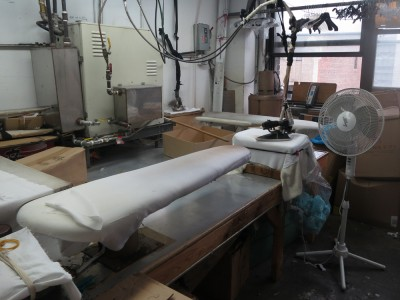 Pressing station at the Lola Haze factory