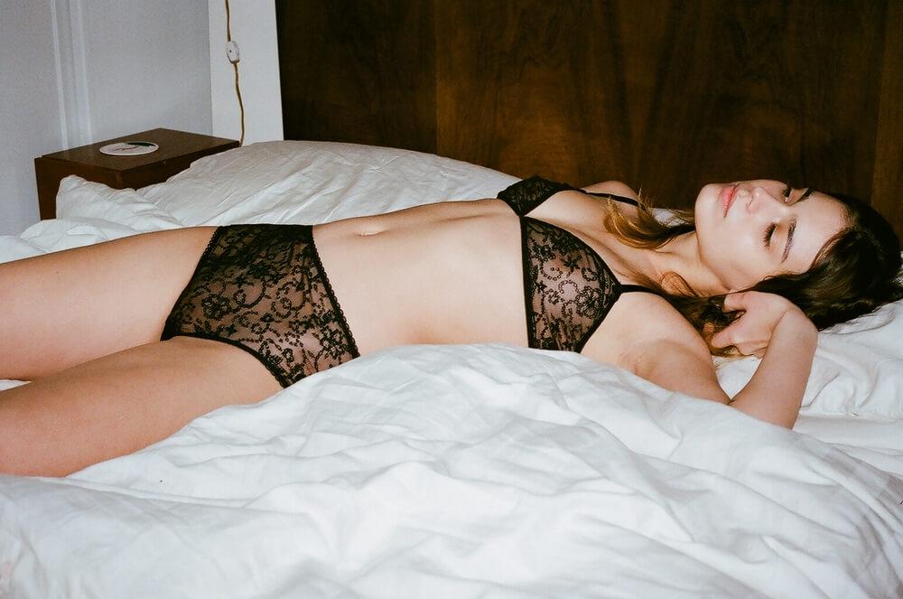 miss_crofton_delightful_delicacy_black_lace_bra_knickers