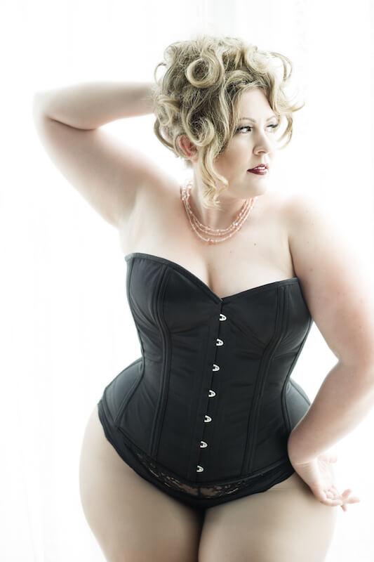 "Dark Garden ""Valentine"" corset | Model: Nicole Simone | Photo: Joel Aron"