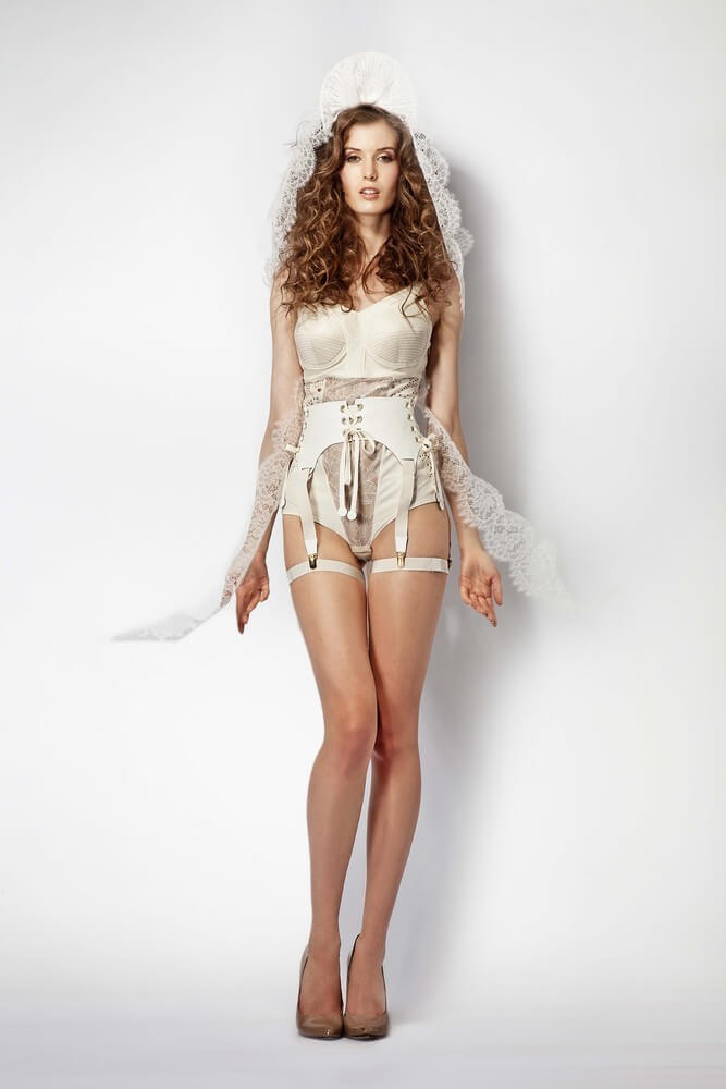 murmur-fashion-Vicious_Leotard_Cream_Suspender_Front