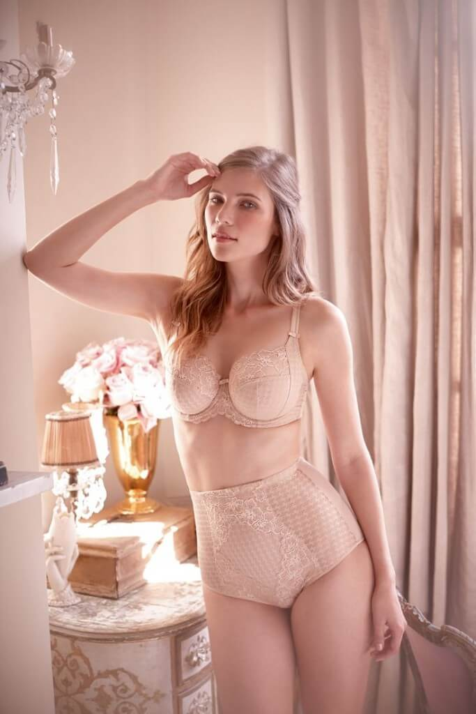 816dbb9a2 Shapewear 101  The Definitive Shapewear Guide