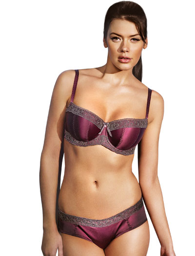 d6a6243c39 5 Fashion Full Bust Lingerie Options for the Holiday Season