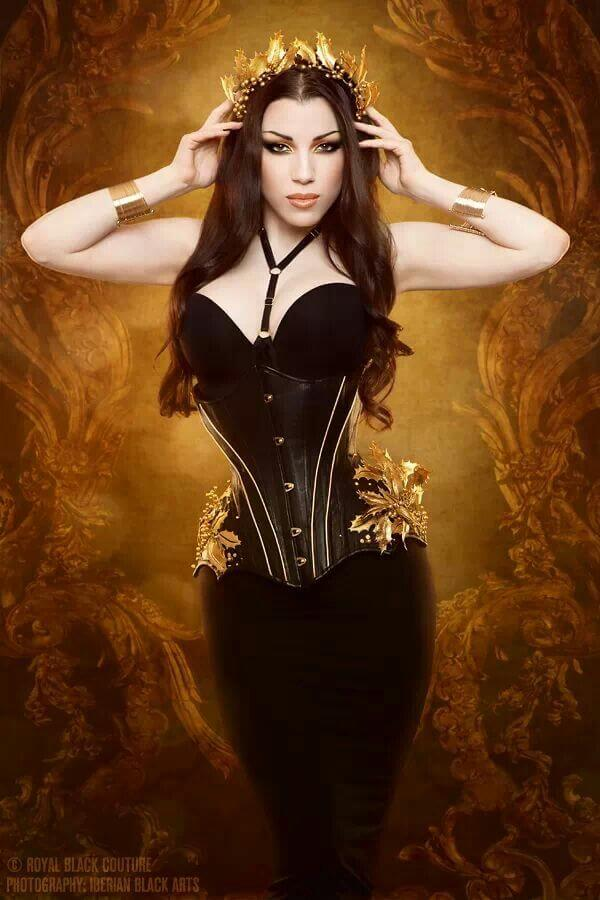Best Corsets: Royal Black Couture & Corsetry