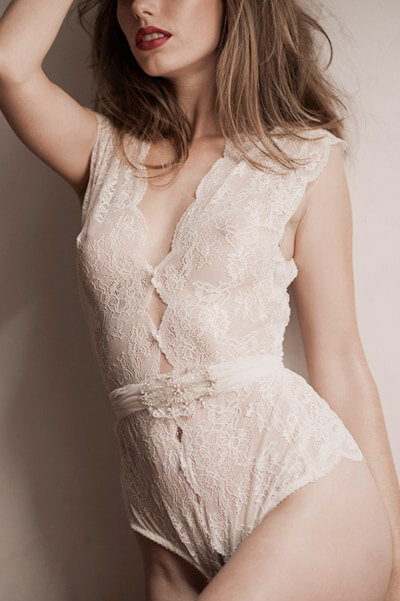 sally-jones-lingerie-pearl-2
