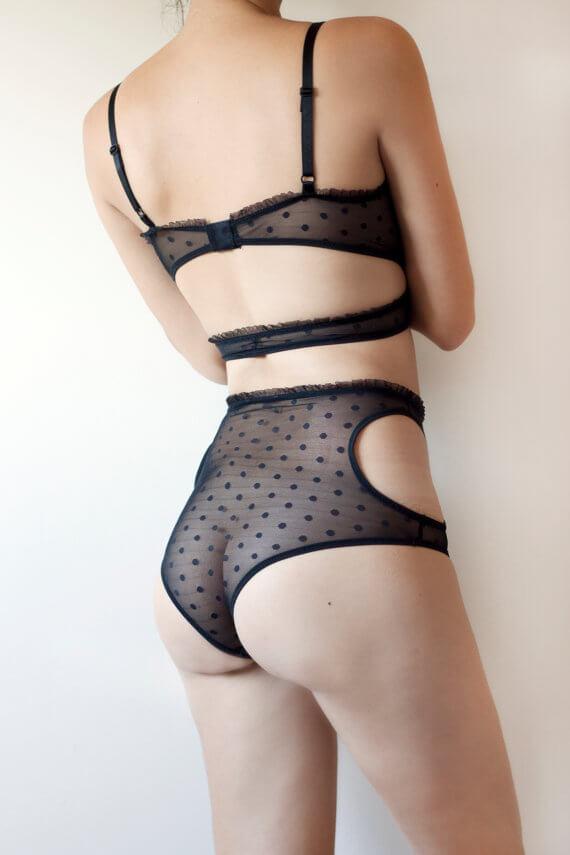 toru-naoko-lingerie-back