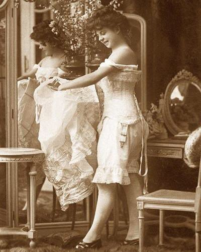 victorian era corset pinup