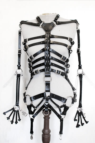 zana_bayne_skeleton_harness