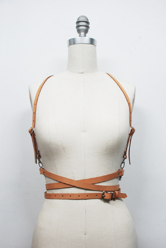 zana_bayne_snake_harness_tan